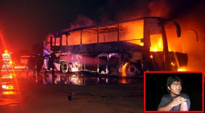 ไฟไหม้รถทัวร์วอดทั้งคัน โชเฟอร์นอนหลังรถหนีทันรอดตายหวุดหวิด