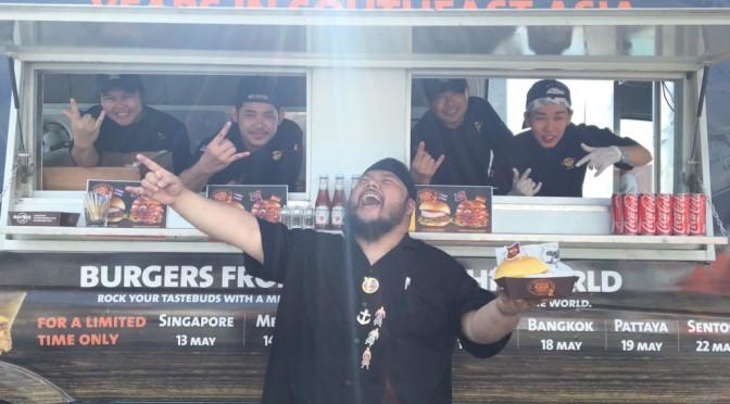 World Burger Truck เลือกพัทยา ฉลอง 25 ปี ขายเบอร์เกอร์ ฮาร์ดร็อค คาเฟ่พัทยา สมทบทุนช่วยเด็ก