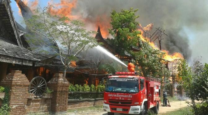 """เพลิงไหม้ """"บ้านพญาไม้"""" คาดความเสียหายไม่ต่ำกว่า 100 ล้าน เผยเตรียมเปิดเป็นสถานที่ท่องเที่ยว"""