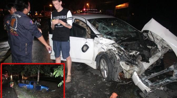 นักธุรกิจแดนหมีขาว เมาสุราซิ่งเก๋งเสยท้ายรถกระบะเสียหลักตกร่องกลางถนน